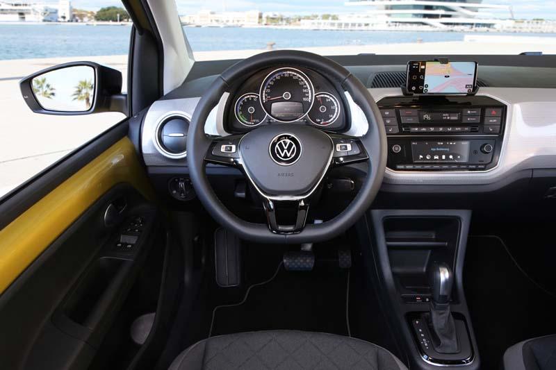Volkswagen e-up! 2019, foto salpicadero