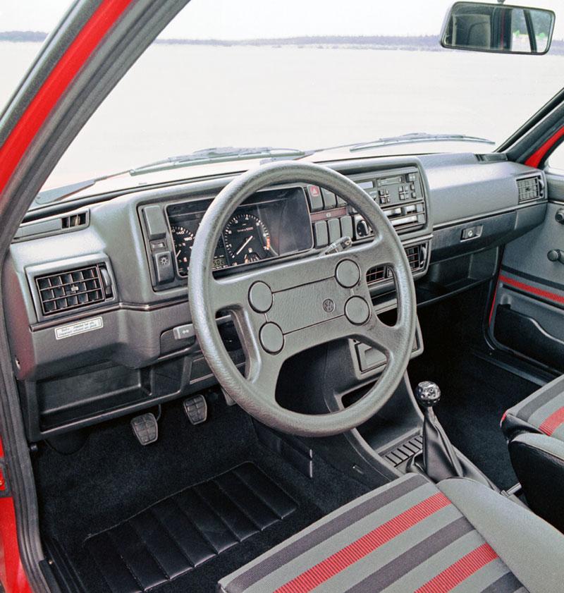Foto Interiores Volkswagen Golf Dos Volumenes 1983