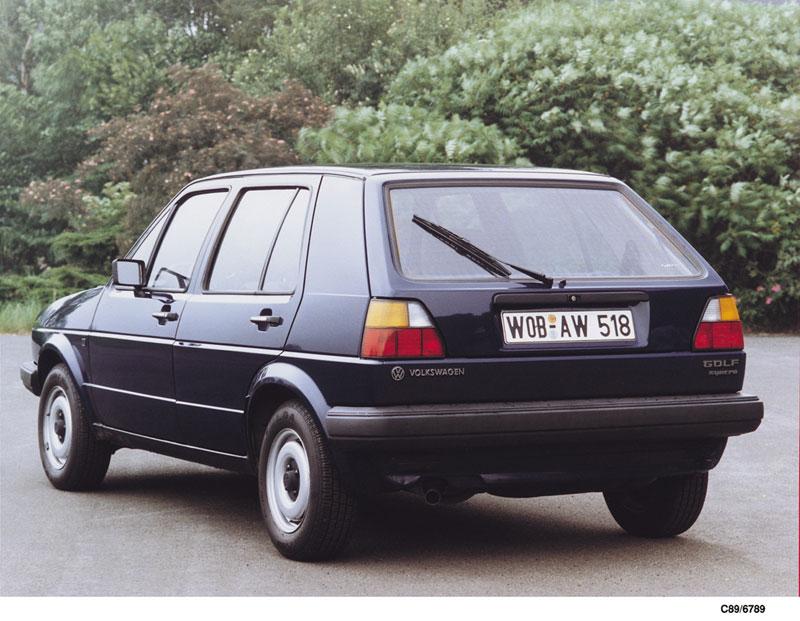 Foto Trasera Volkswagen Golf Dos Volumenes 1983