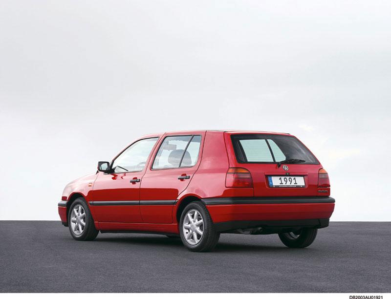 Foto Trasera Volkswagen Golf Dos Volumenes 1991