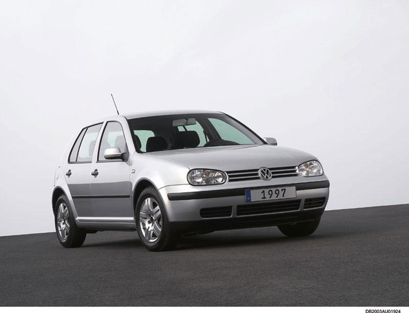 Foto Delantera Volkswagen Golf Dos Volumenes 1997