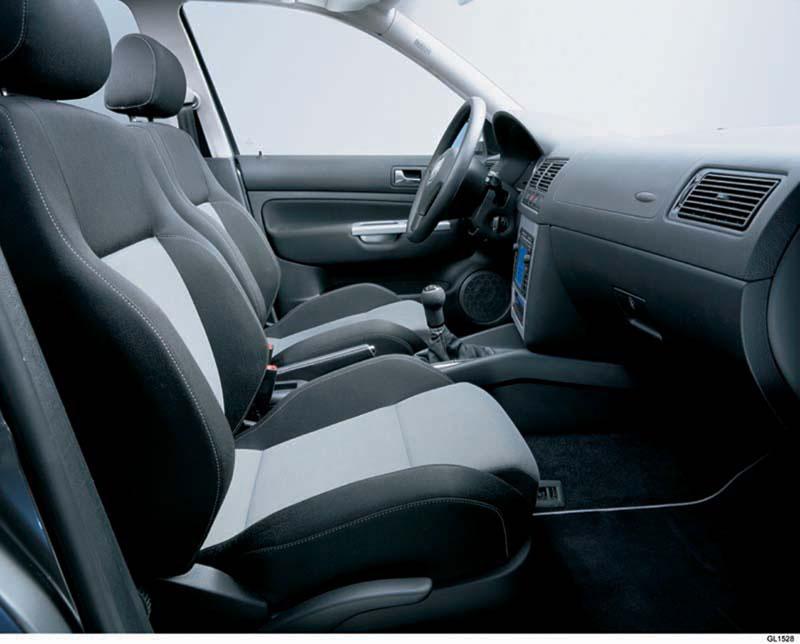 Foto Interiores Volkswagen Golf Dos Volumenes 1997