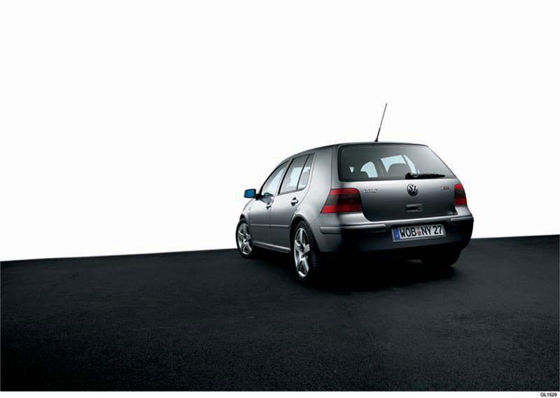 Foto Trasera Volkswagen Golf Dos Volumenes 1997