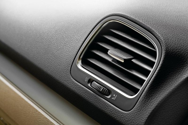 Foto Detalles Volkswagen Golf Dos Volumenes 2010