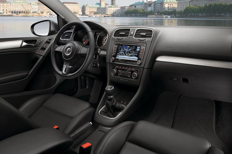 Foto Interiores Volkswagen Golf Dos Volumenes 2010