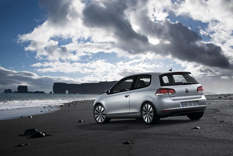 Foto Trasera Volkswagen Golf Dos Volumenes 2010