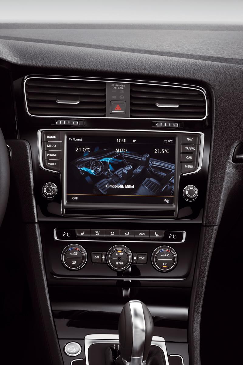 Foto Interiores Volkswagen Golf Dos Volumenes 2012