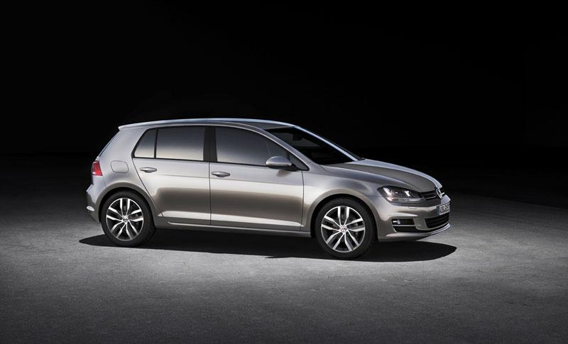 Foto Perfil Volkswagen Golf Dos Volumenes 2012
