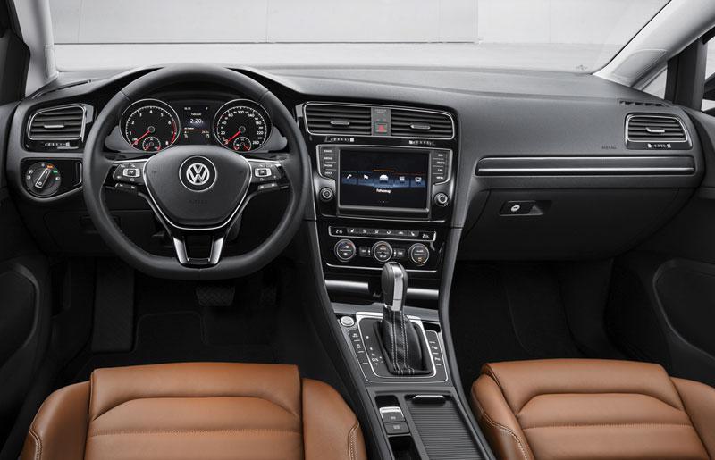 Volkswagen Golf VII, salpicadero