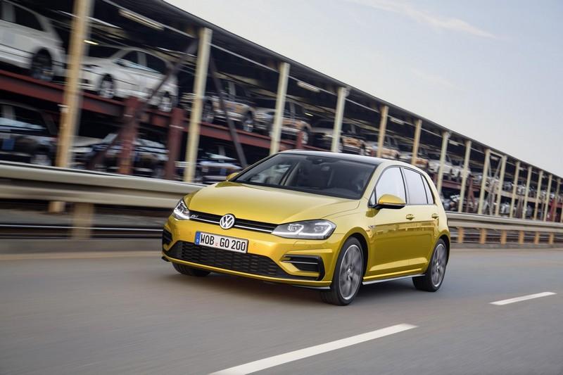 Foto Delantera Volkswagen Golf Dos Volumenes 2017