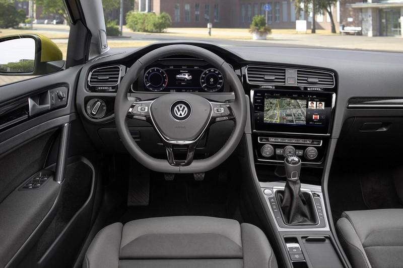 Foto Salpicadero Volkswagen Golf Dos Volumenes 2017