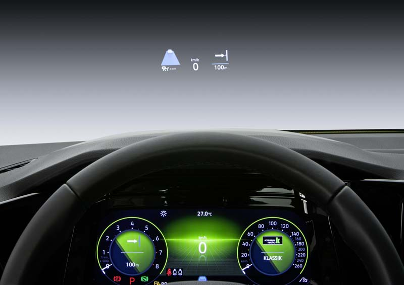 Volkswagen Golf 8, foto Head Up Display
