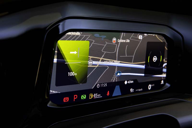 Volkswagen Golf 8, foto pantalla salpicadero
