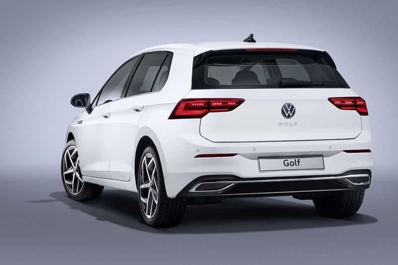 Volkswagen Golf 8, foto trasera