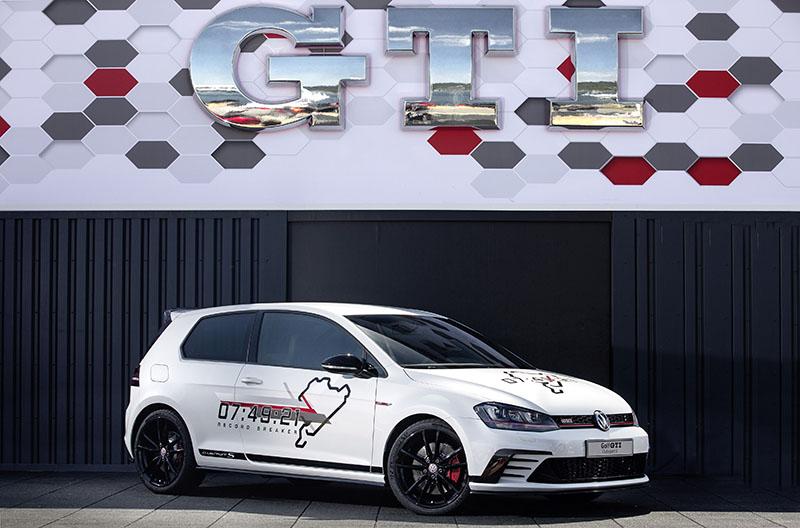 Foto Exteriores Volkswagen Golf Clubsport S Dos Volumenes 2016