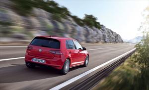 Foto Trasera Volkswagen Golf-gtd Dos Volumenes 2013