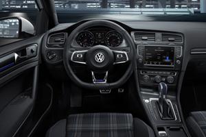 Foto Interiores Volkswagen Golf-gte Dos Volumenes 2014