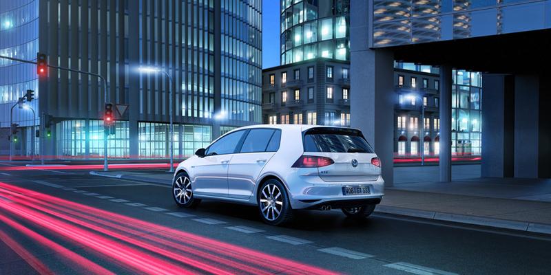 Foto Exteriores Volkswagen Golf Gte Dos Volumenes 2014