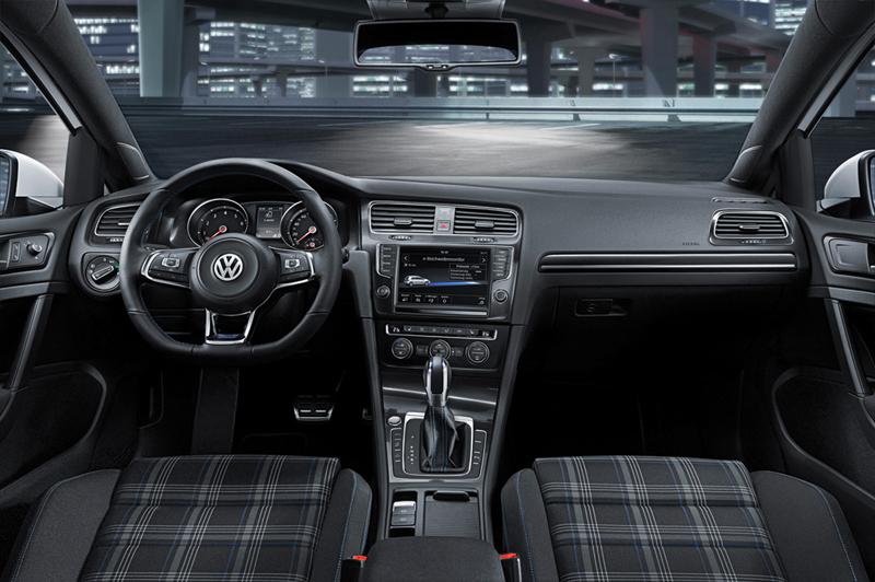 Foto Salpicadero Volkswagen Golf Gte Dos Volumenes 2014