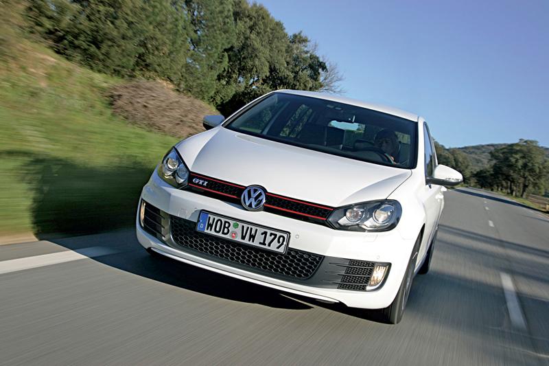Foto Delantero Volkswagen Golf Gti Dos Volumenes 2009