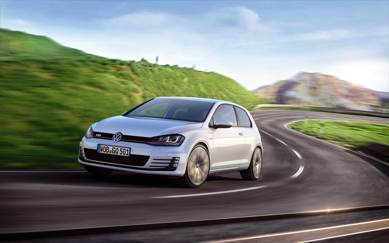 Foto Perfil Volkswagen Golf Gti Dos Volumenes 2013