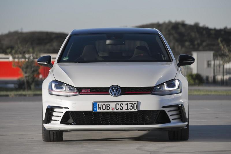 Foto Delantera Volkswagen Golf Gti Clubsport Dos Volumenes 2016