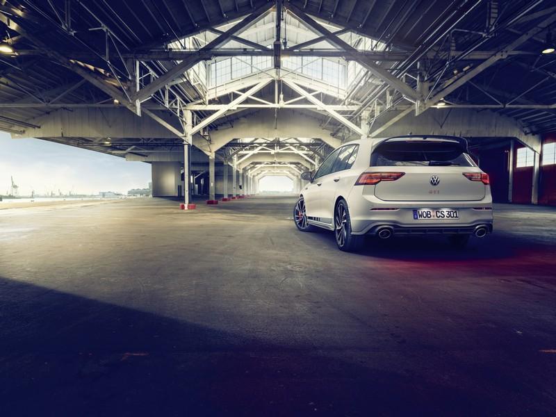 Foto Trasera Volkswagen Golf Gti Clubsport Dos Volumenes 2020