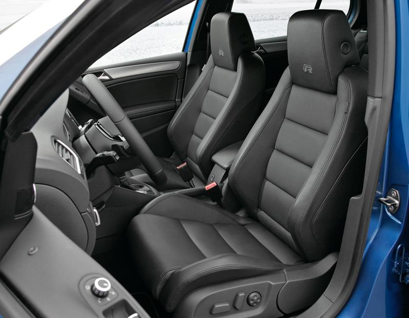Foto Interiores Volkswagen Golf R Dos Volumenes 2010