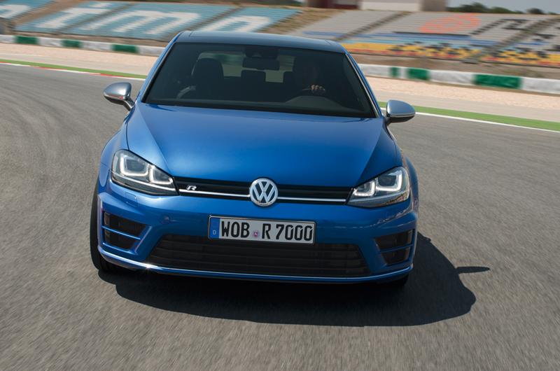 Foto Delantera Volkswagen Golf R Dos Volumenes 2013