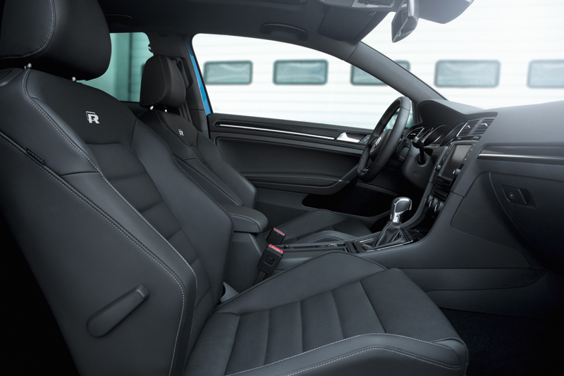 Foto Interiores Volkswagen Golf R Dos Volumenes 2013