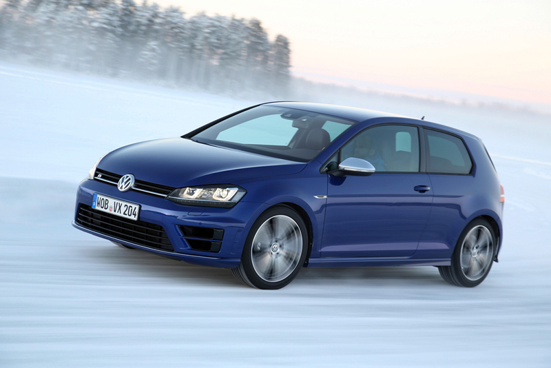 Foto Perfil Volkswagen Golf R Dos Volumenes 2014