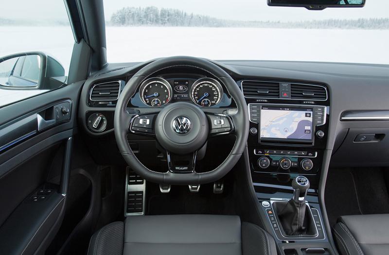 Foto Salpicadero Volkswagen Golf R Dos Volumenes 2014