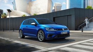 volkswagen golf-r 2017