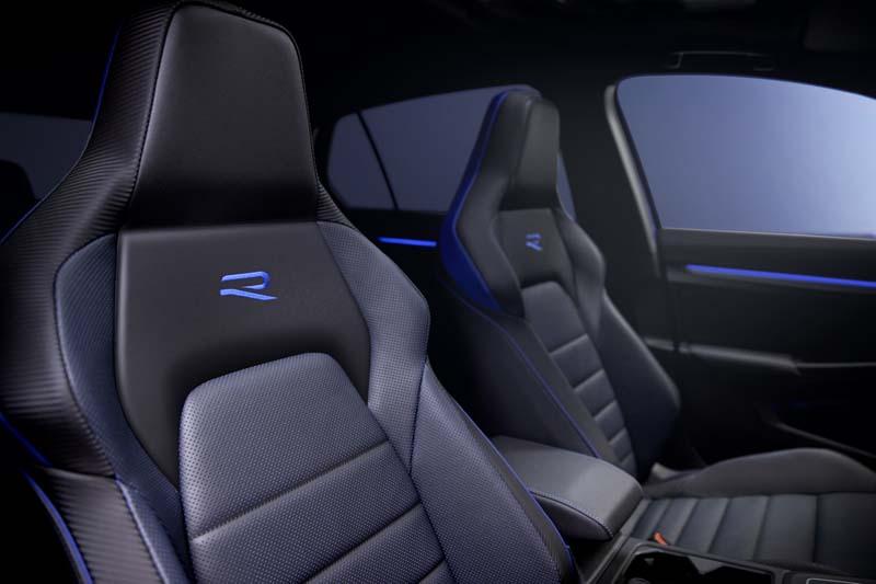 Foto Interiores Volkswagen Golf R Dos Volumenes 2020
