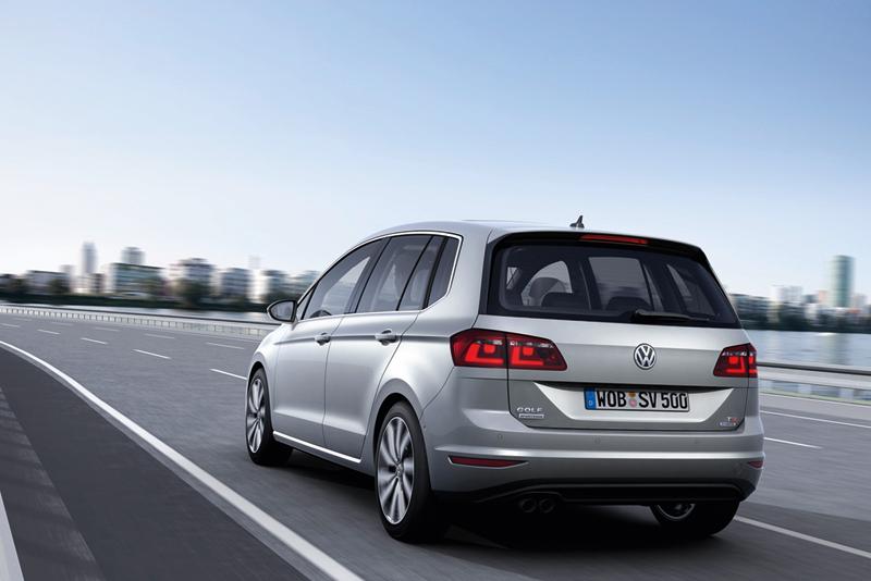 Foto Trasera Volkswagen Golf Sportsvan Monovolumen 2013