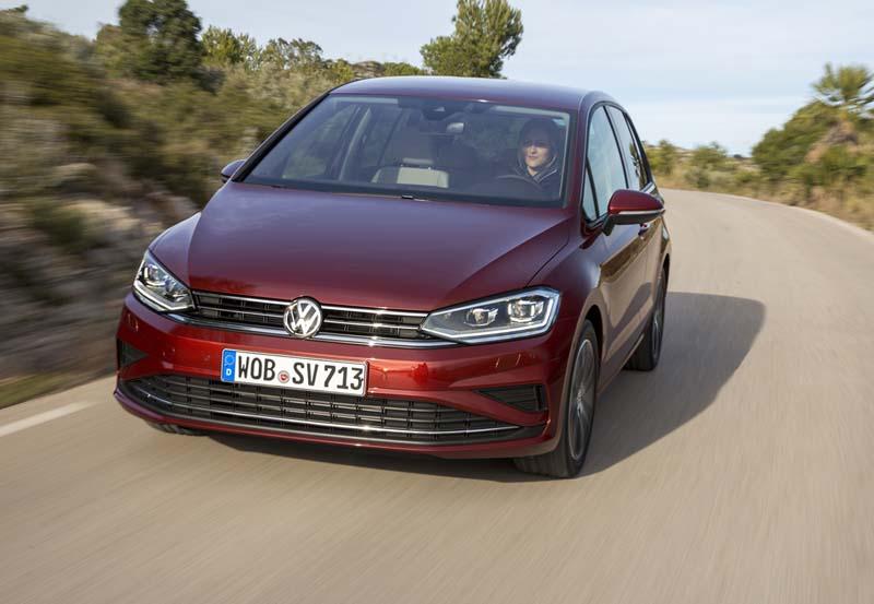 Volkswagen Golf Sportsvan 2017, foto delantera