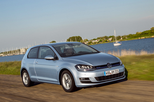 Foto volkswagen golf-tdi-bluemotion 2013