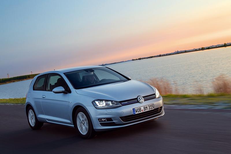 Foto Exteriores Volkswagen Golf Tdi Bluemotion Dos Volumenes 2013