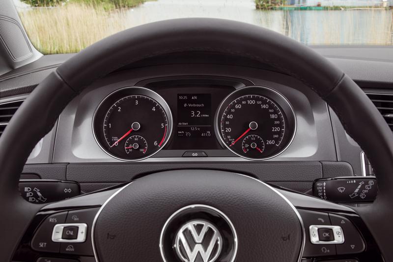 Foto Interiores Volkswagen Golf Tdi Bluemotion Dos Volumenes 2013