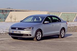 Foto Perfil Volkswagen Jetta-hybrid Berlina 2013
