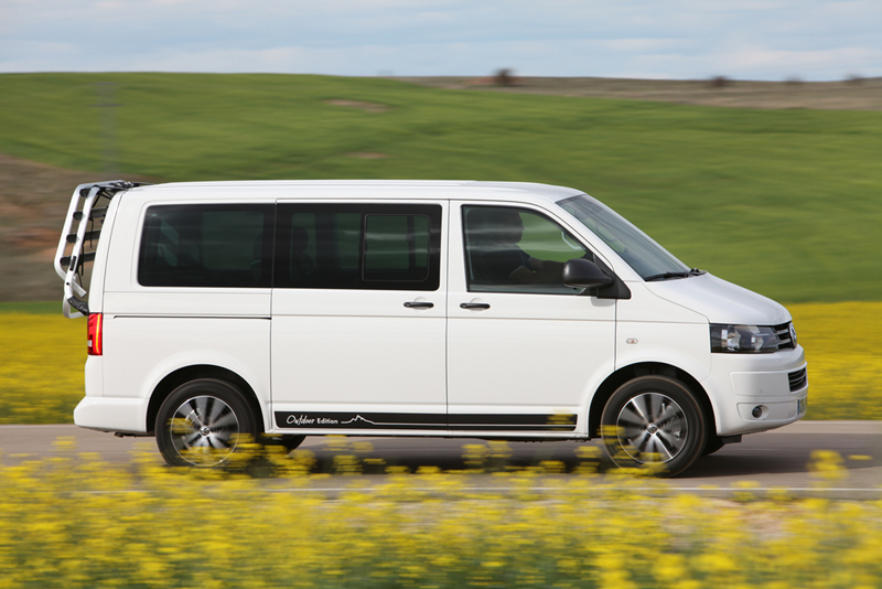 Foto Lateral Volkswagen Multivan Outdoor Edition Vehiculo Comercial 2014
