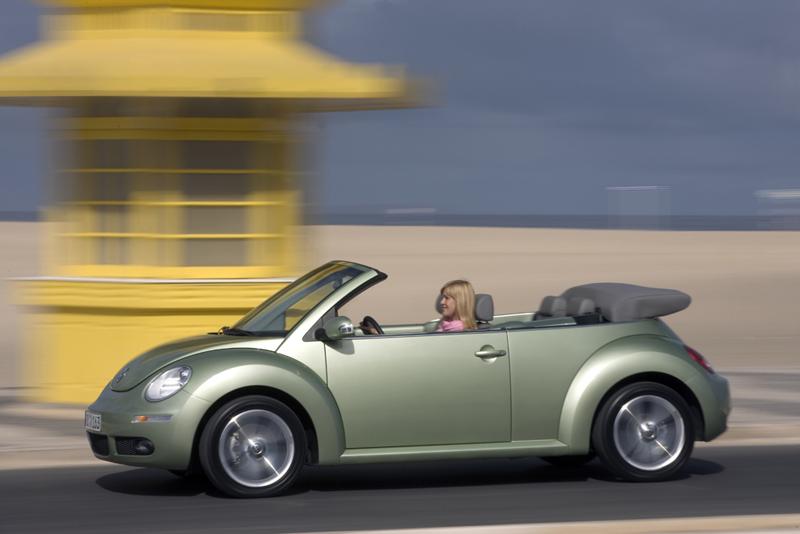 Foto Perfil Volkswagen New Beetle Descapotable 2007