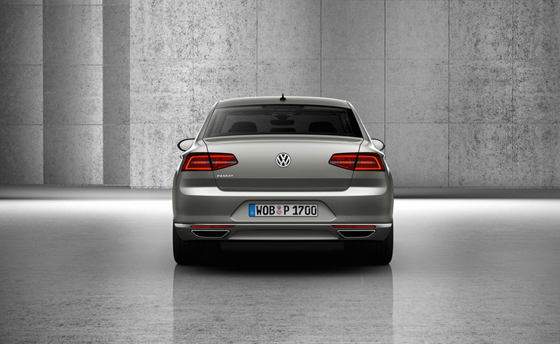 Foto Trasera Volkswagen Passat Berlina 2014