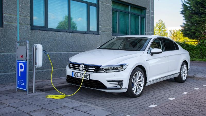 Foto Exteriores (9) Volkswagen Passat-gte Sedan 2016