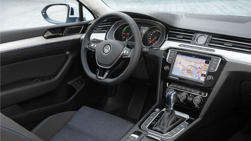 Interior Volkswagen Passat GTE 2016