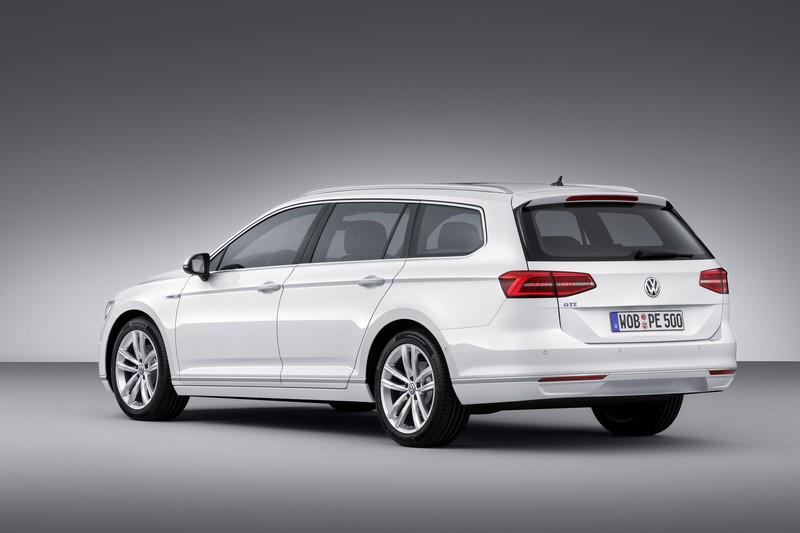 Foto Trasera Volkswagen Passat Gte Prueba Familiar 2016