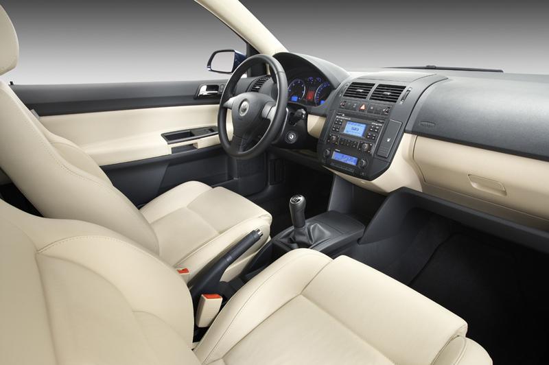 Foto Interiores Volkswagen Polo Dos Volumenes 2008