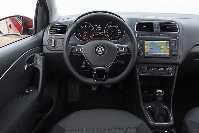 Foto Interiores Volkswagen Polo Dos Volumenes 2014
