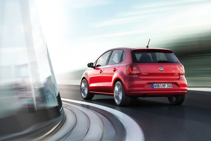 Foto Trasera Volkswagen Polo Dos Volumenes 2014