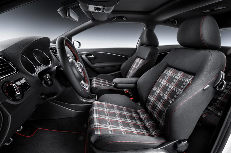 Foto Interior Volkswagen Polo Gti Dos Volumenes 2014